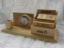 Đồng hồ để bàn gỗ 02