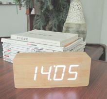 Đồng hồ để bàn LED 07